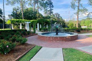 LFF_Blog_April2021_Mansion_GardenPhotos01